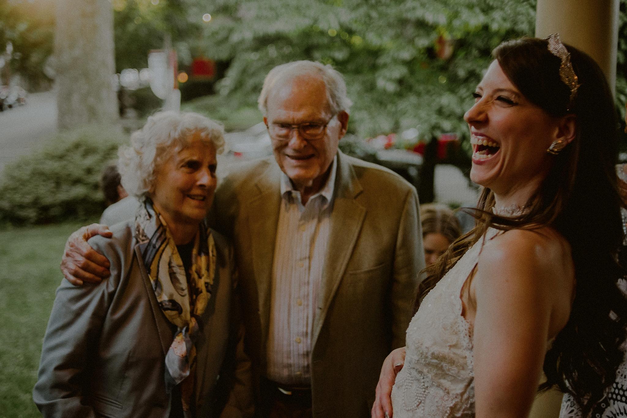 casual wedding photos