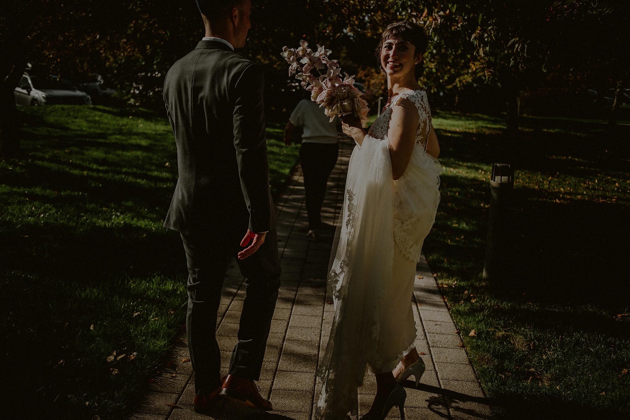 dramatic light wedding photography