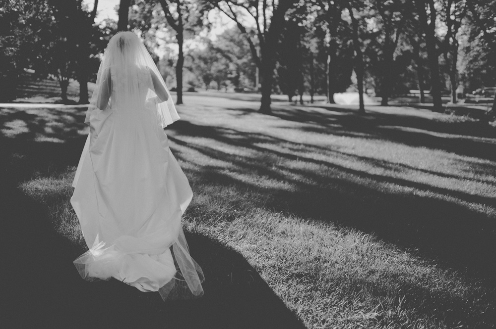 creative black and white wedding photos