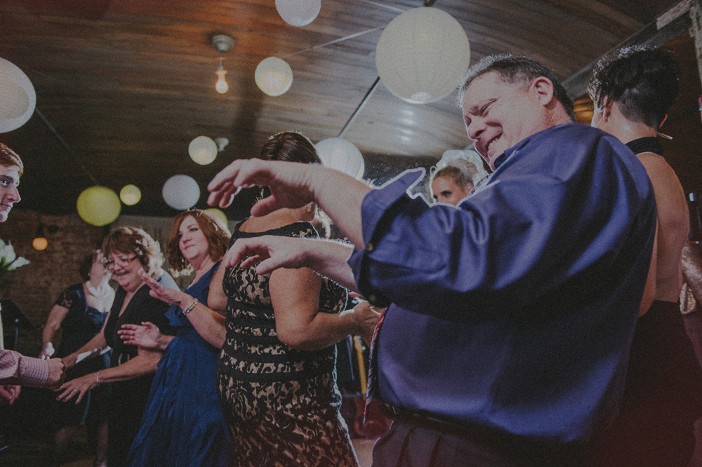 organic wedding photographer