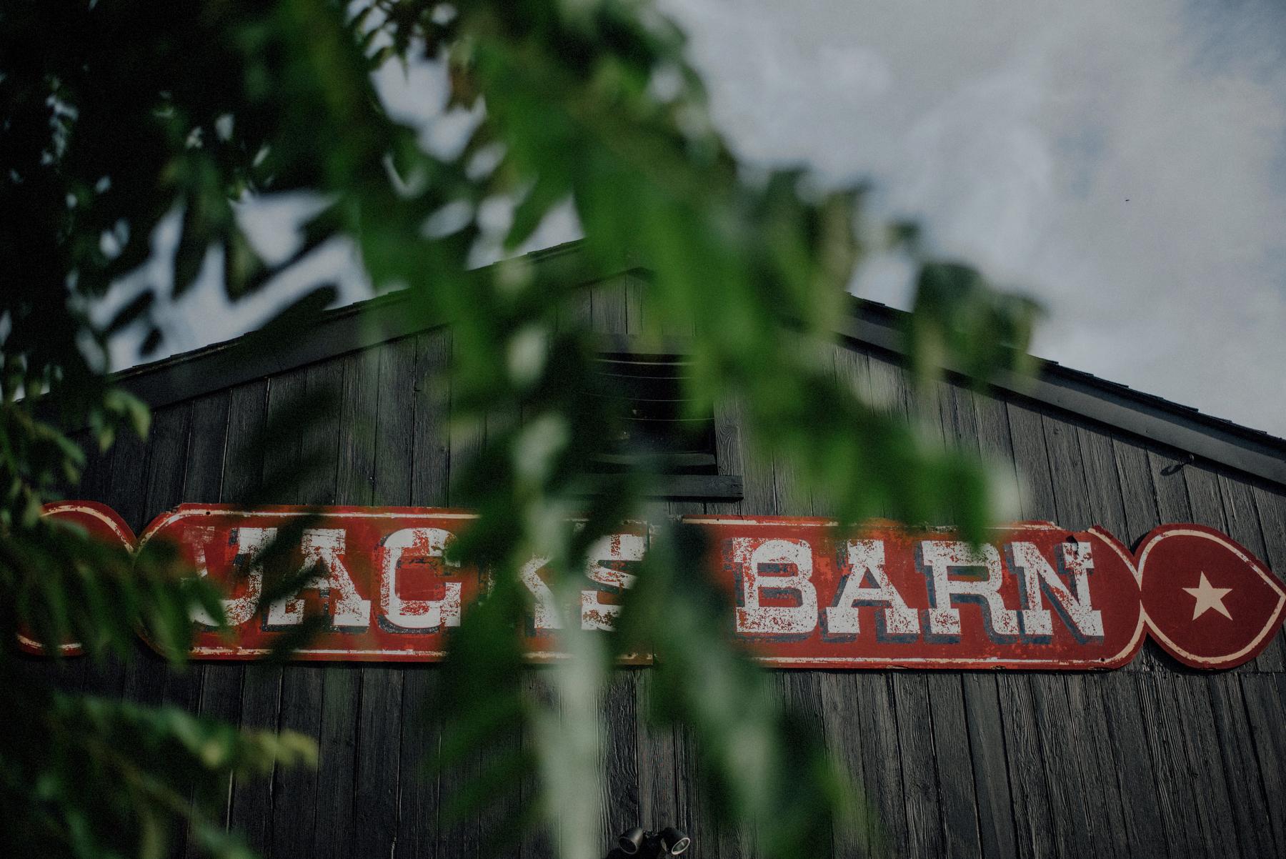 authentic new jersey barn wedding