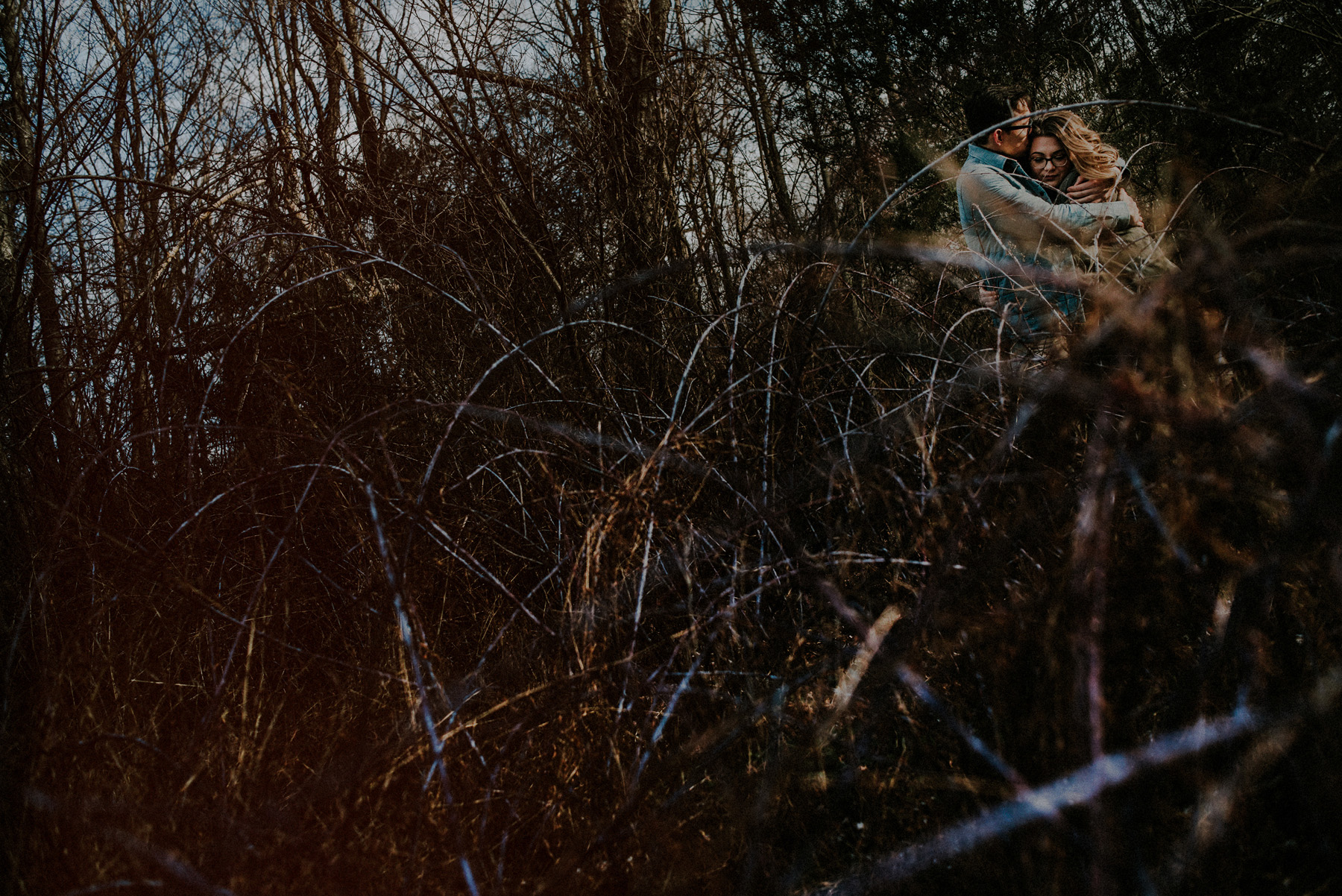 outdoor winter engagement pictures