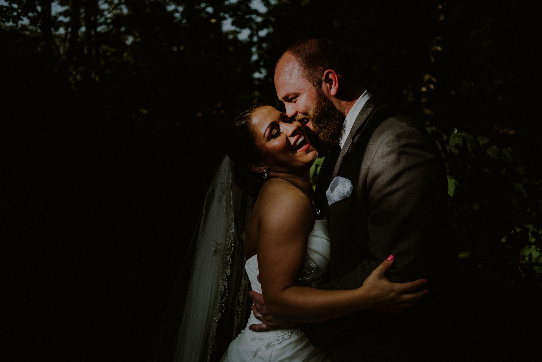 dramatic wedding photos