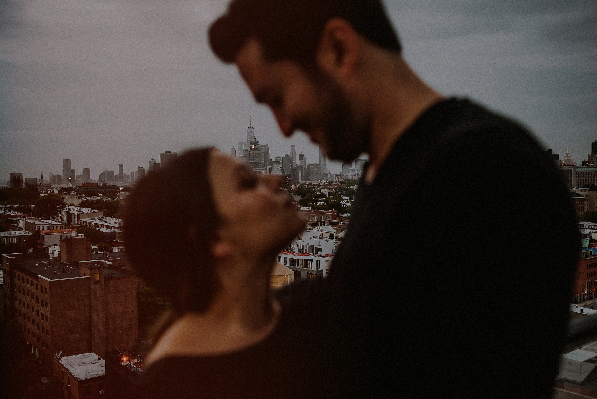 nyc rooftop engagement photos