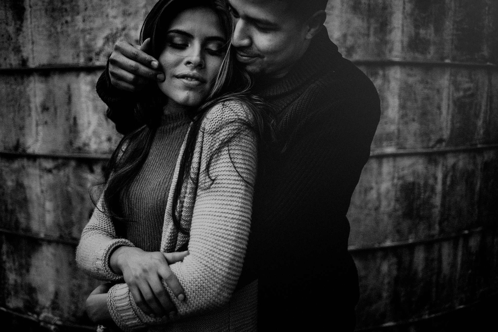 moody engagement pics in black and white