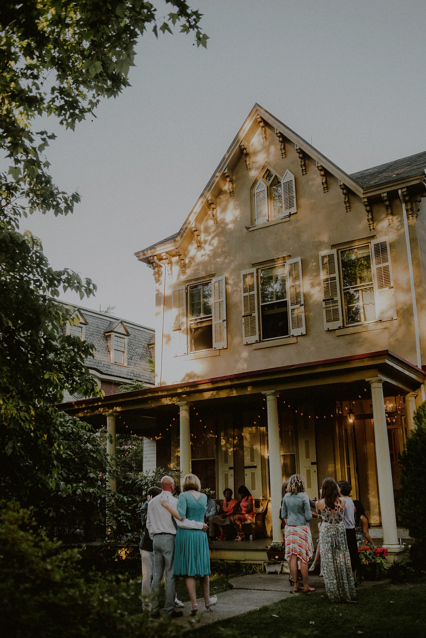 philly backyard wedding