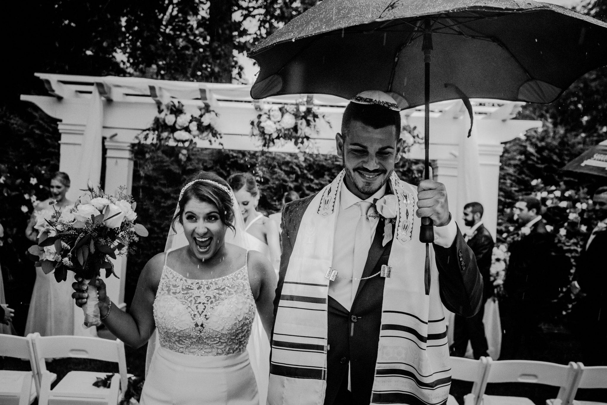 rainy wedding day pictures