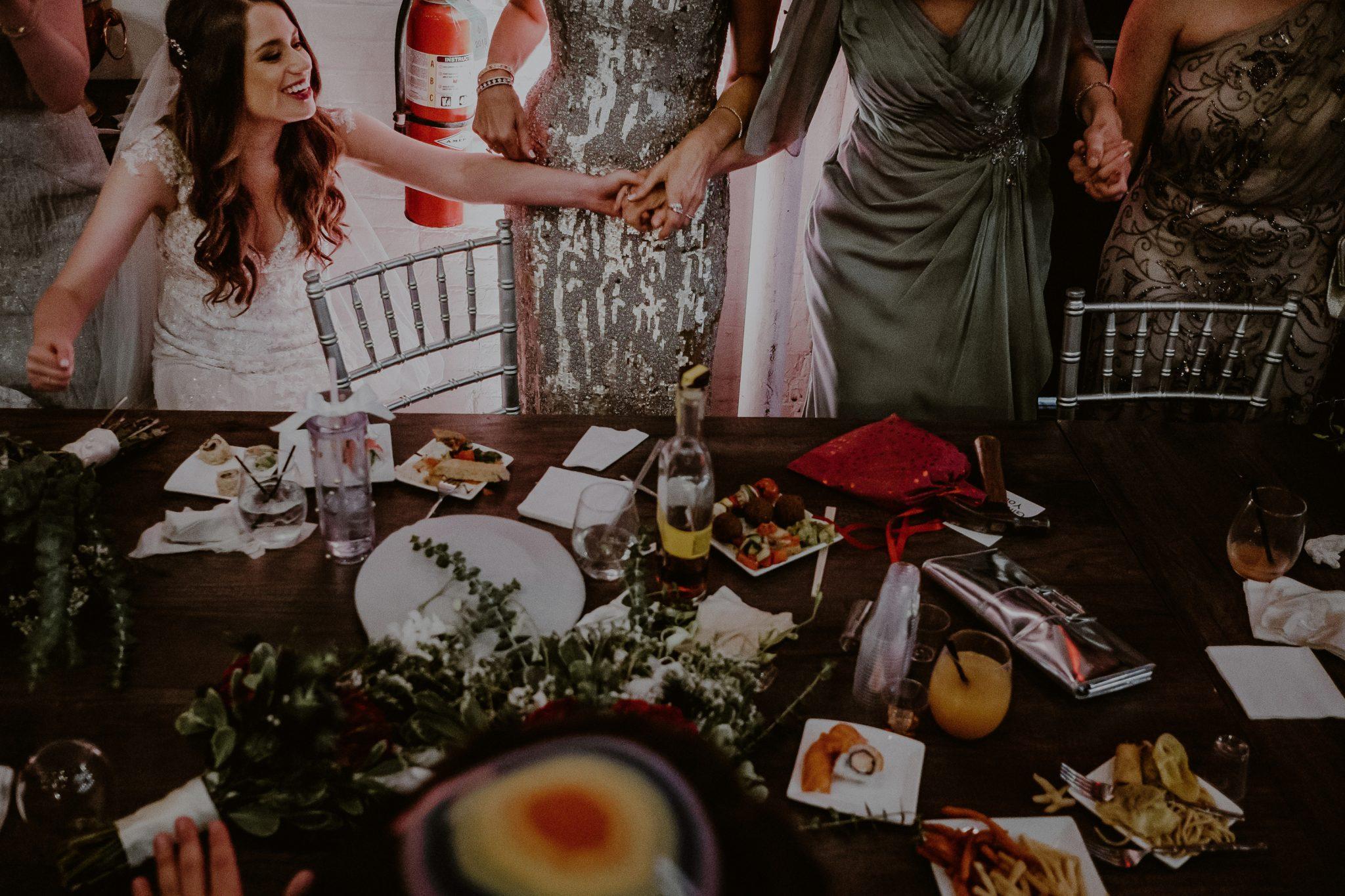 creative documentary wedding photos