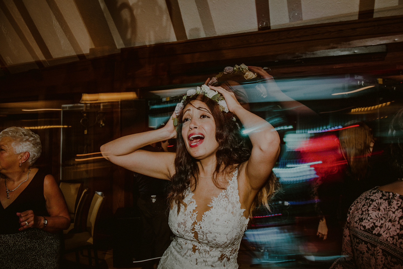 documentary wedding pictures