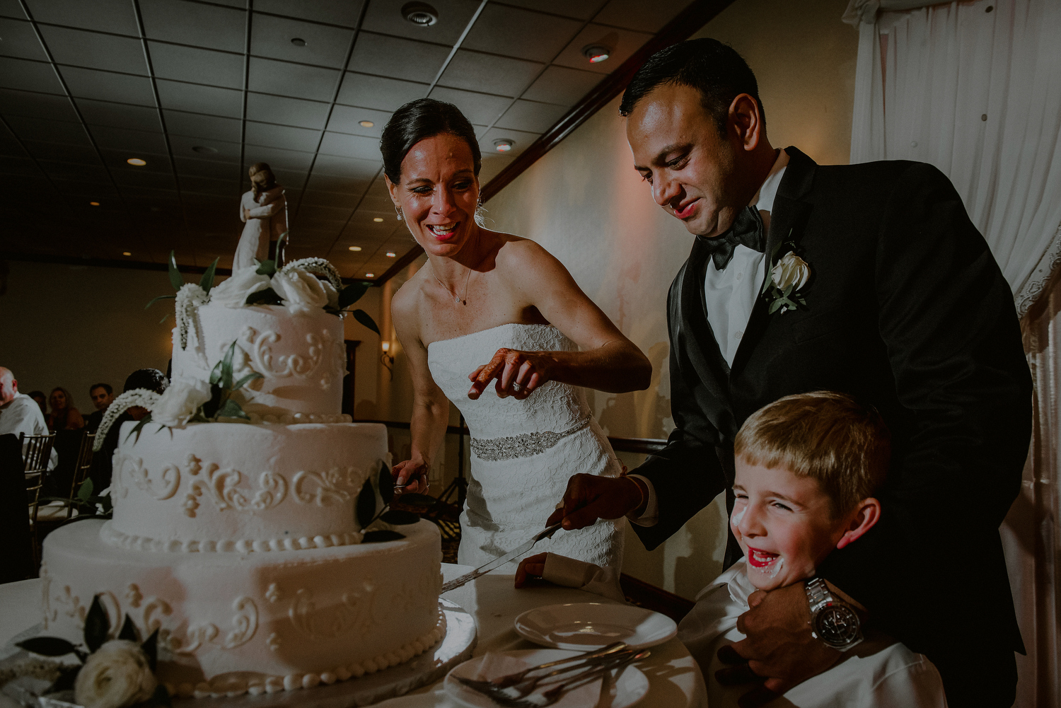candid cake cutting moment