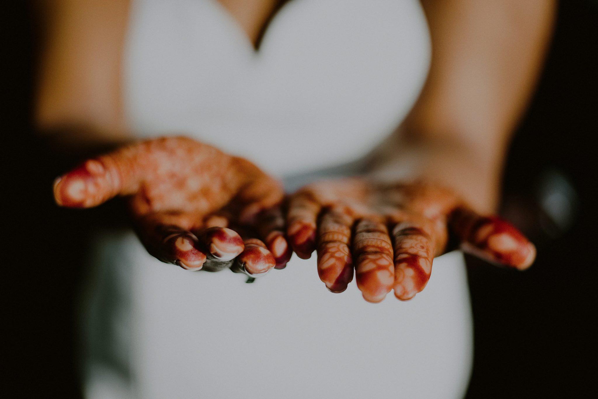 bride henna on hands