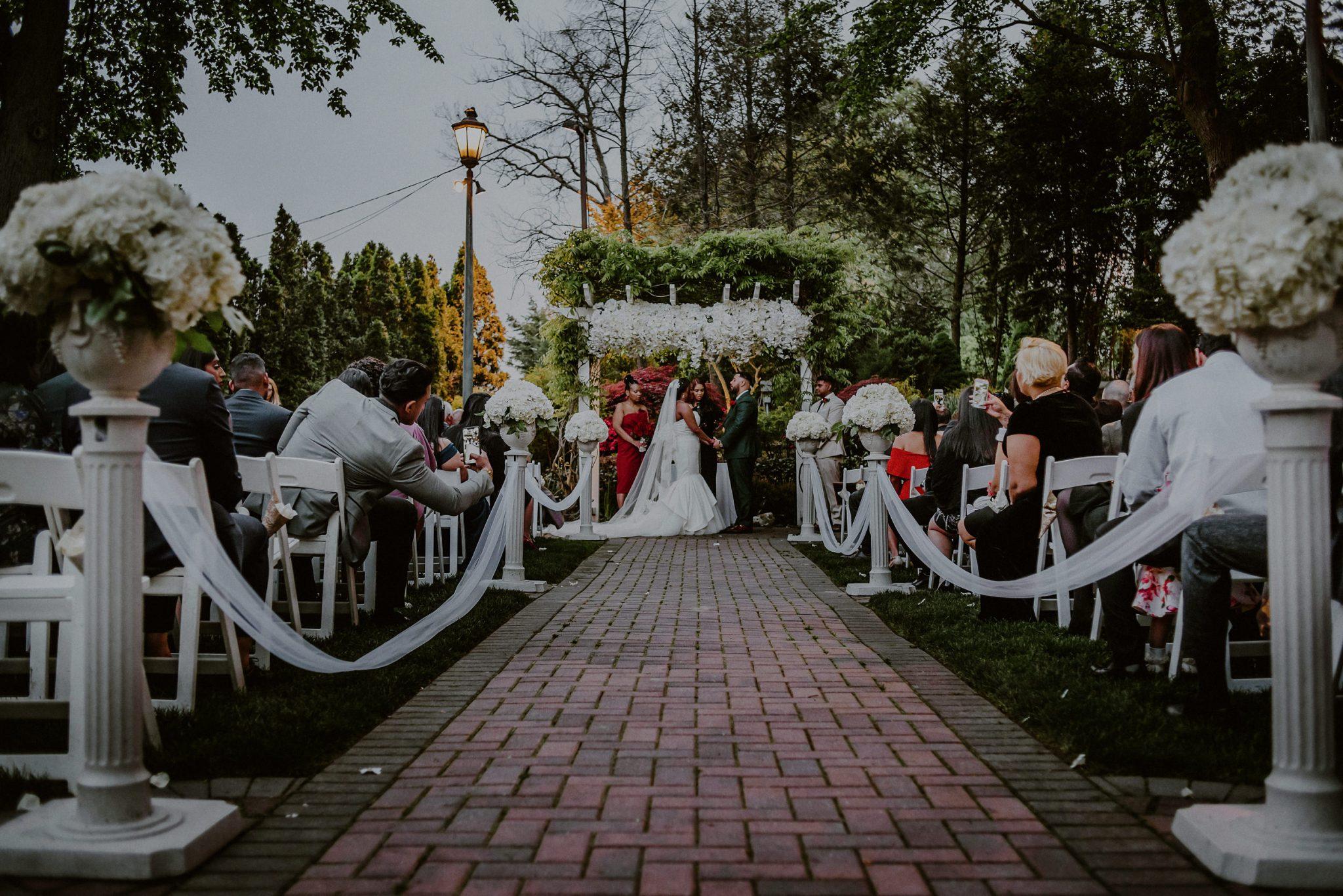 fox hollow wedding outdoor ceremony
