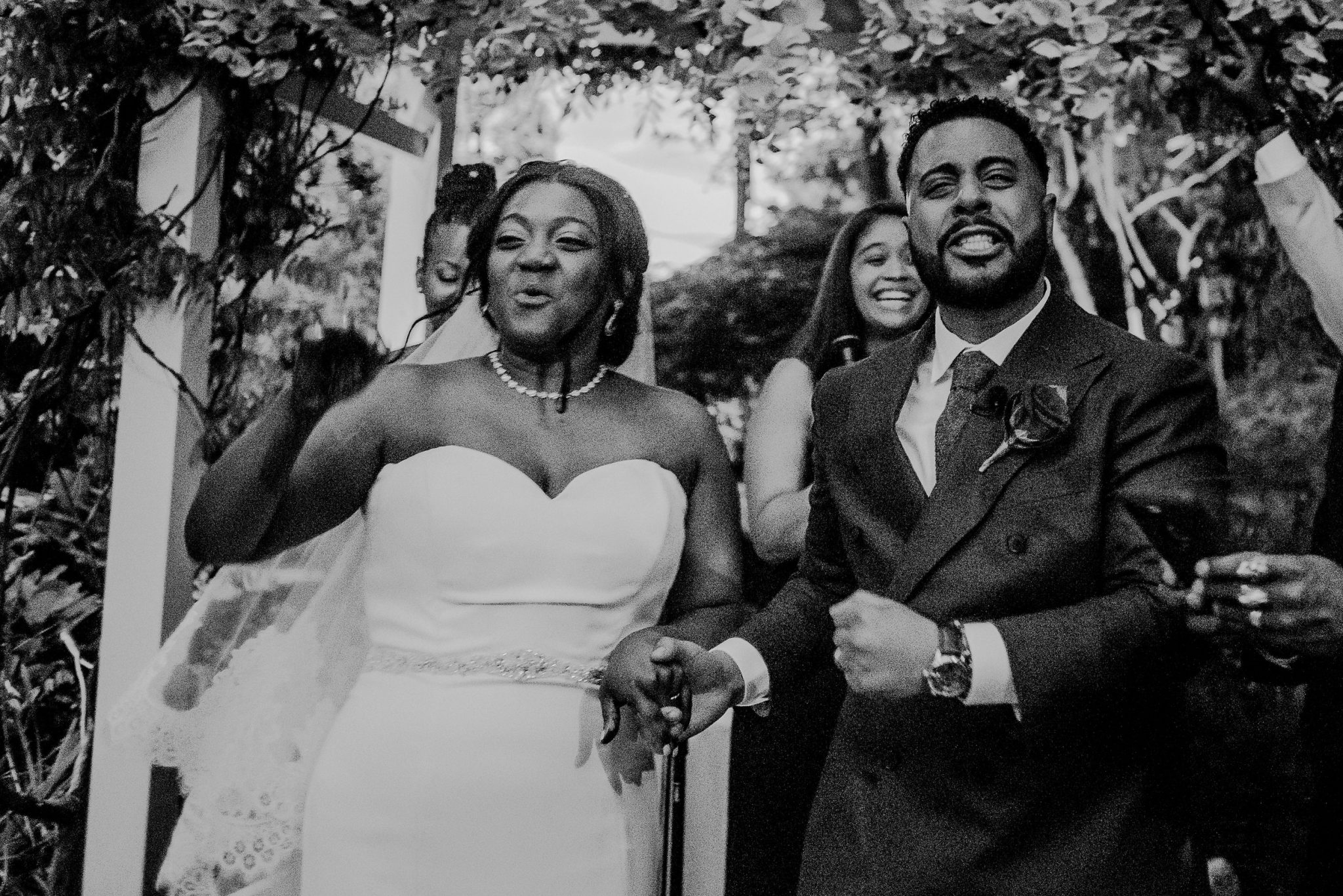 candid emotional photos during wedding ceremony
