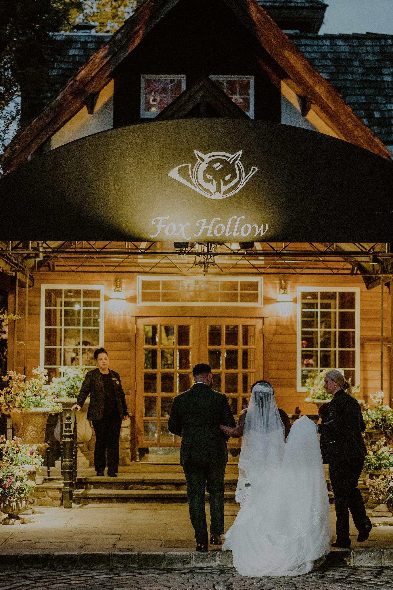 fox hollow wedding entrance in woodbury ny