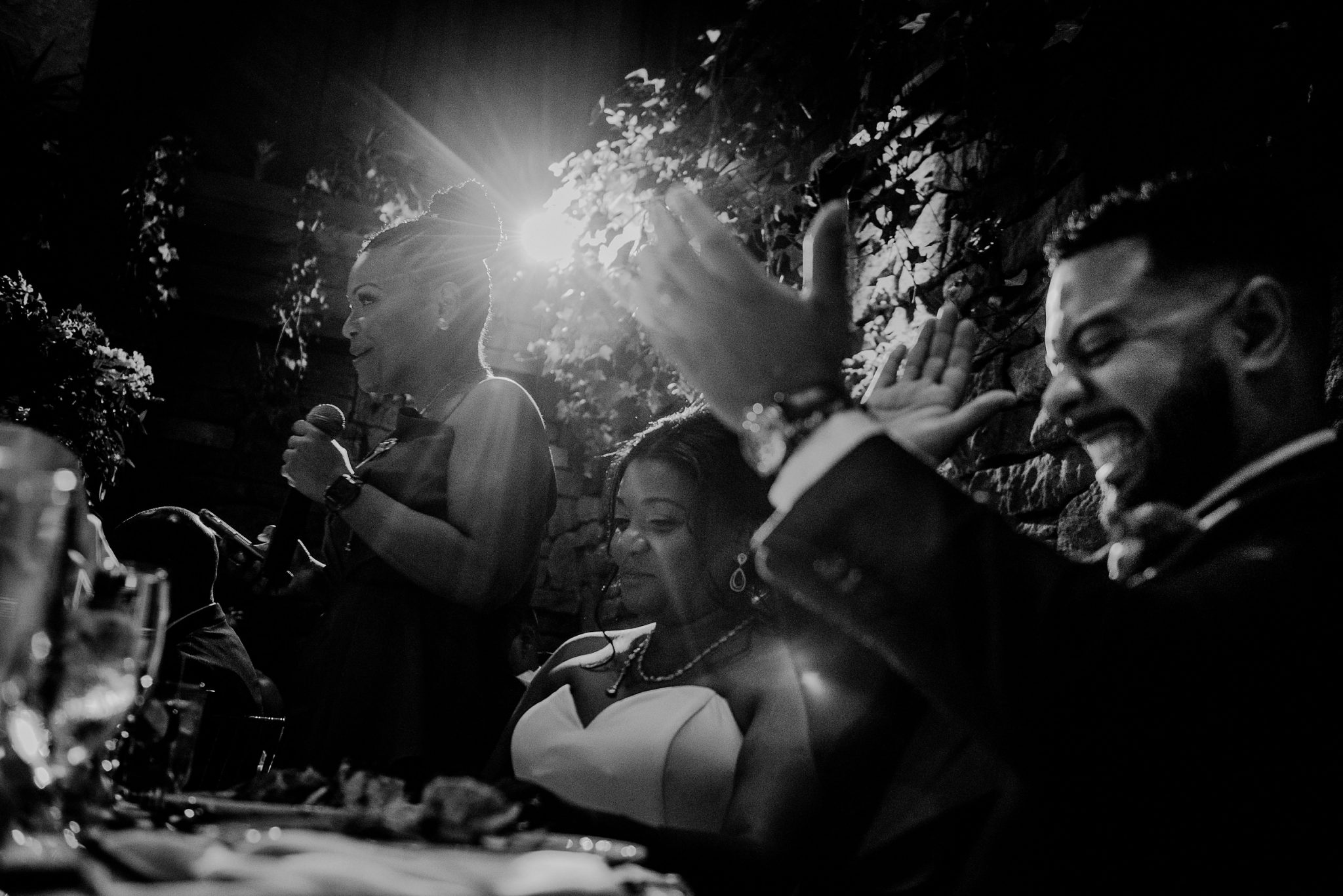 candid and creative wedding speech photo at fox hollow