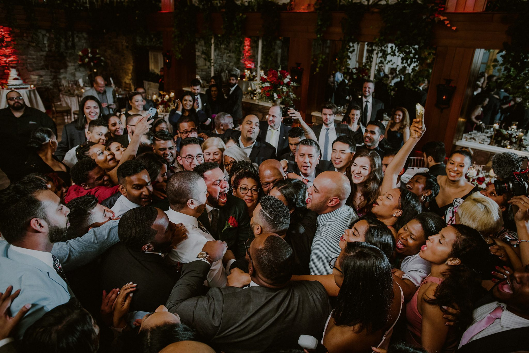 crazy dance party at fox hollow catering wedding in long island